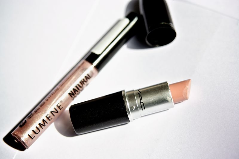 File:Lipstick and lipgloss.jpg