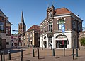 Lochem, de Bierstraat met de toren van de Sint-Gudulakerk RM25920 IMG 5723 2018-07-15 14.13.jpg