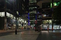London MMB «K7 Canary Wharf.jpg