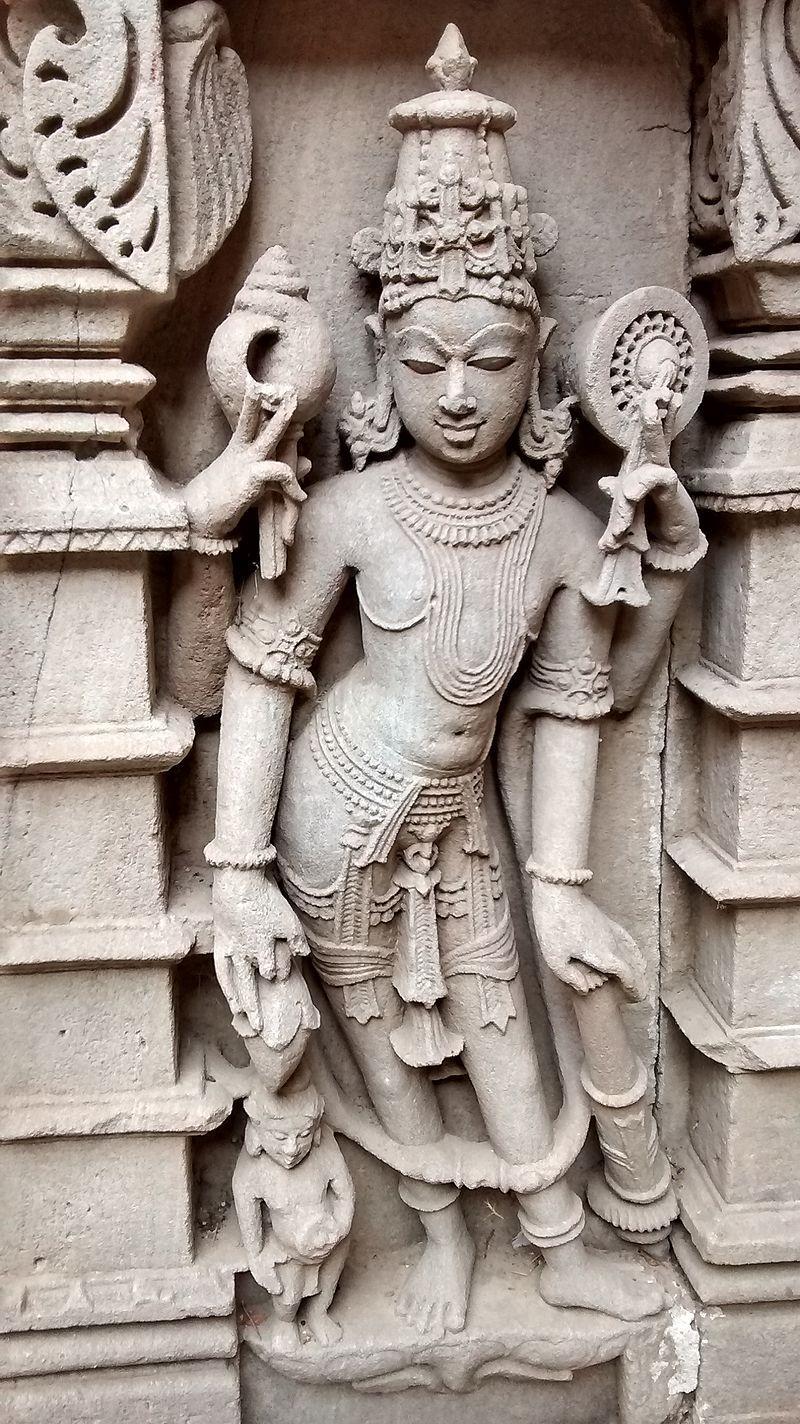 Lord vishnu idol in rani ki vav patan.jpg