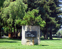 Los Altos entrance sign 2a.jpg