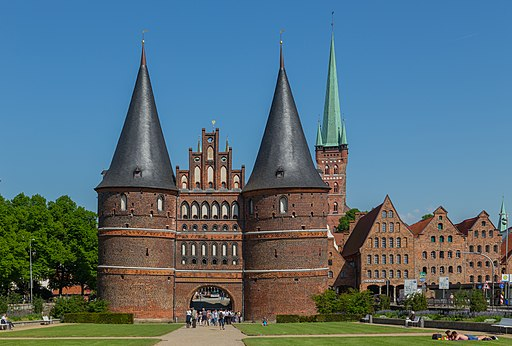 Luebeck Holstentor 30