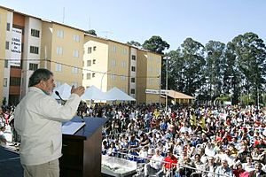 Bolsa Família - former President Lula giving a speech to recipients of Bolsa Família and other federal assistance programs in Diadema