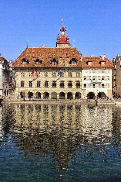 File:Luzern Rathaus 3.JPG