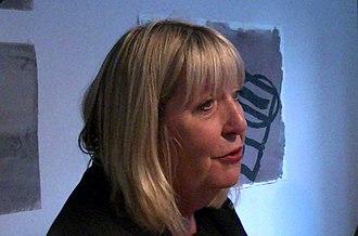 Lynne Truss - Image: Lynne Truss, author (15906630064)