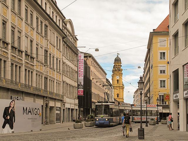 Theatinerstraße