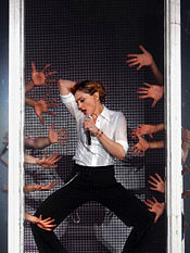 175px-Madonna_%C3%A0_Nice_32