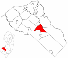 Glassboro highlighted in Gloucester County. Inset map: Gloucester County highlighted in the State of New Jersey.