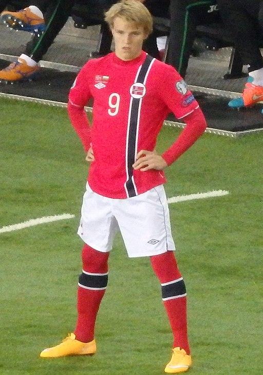 Мартин Едегор по време на дебюта си срещу България