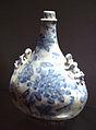 Medici porcelain gourd 1575 1587.jpg
