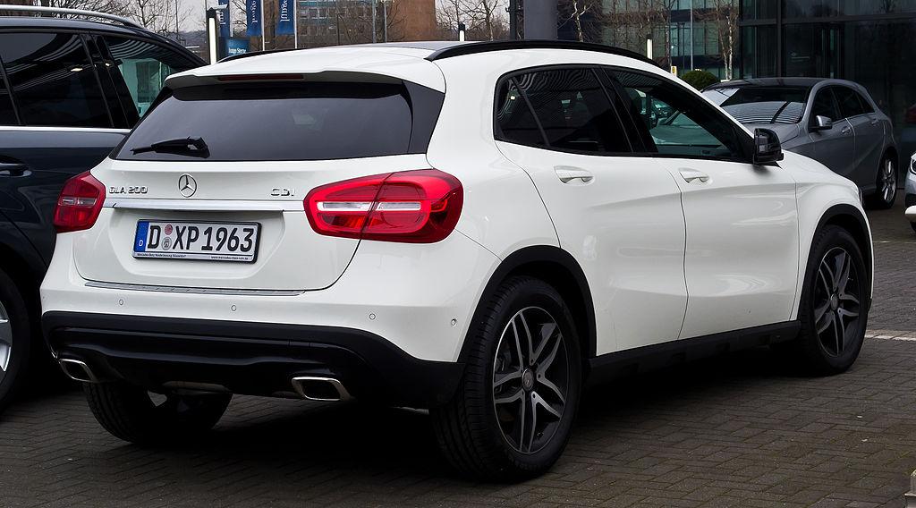 File:Mercedes-Benz GLA 200 CDI Urban (X 156) – Heckansicht ...