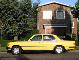 Mercedes-Benz W116 1975 Left Side View.jpg