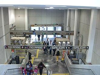 Metro Zapotitlán - Entrance to the station