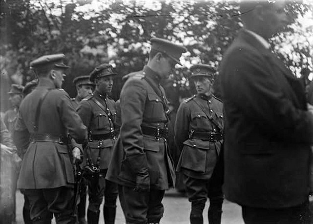 Michael Collins Risteard Mulcahy Glasnevin Cemetery at the funeral of Arthur Griffith