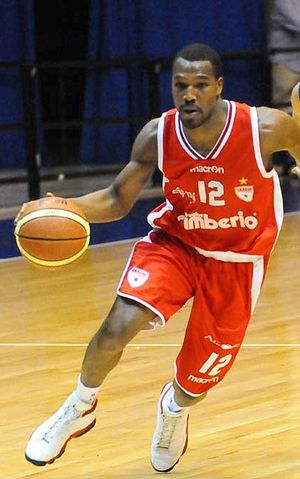 Mike Green (basketball, born 1985) - Green with Varese in 2012
