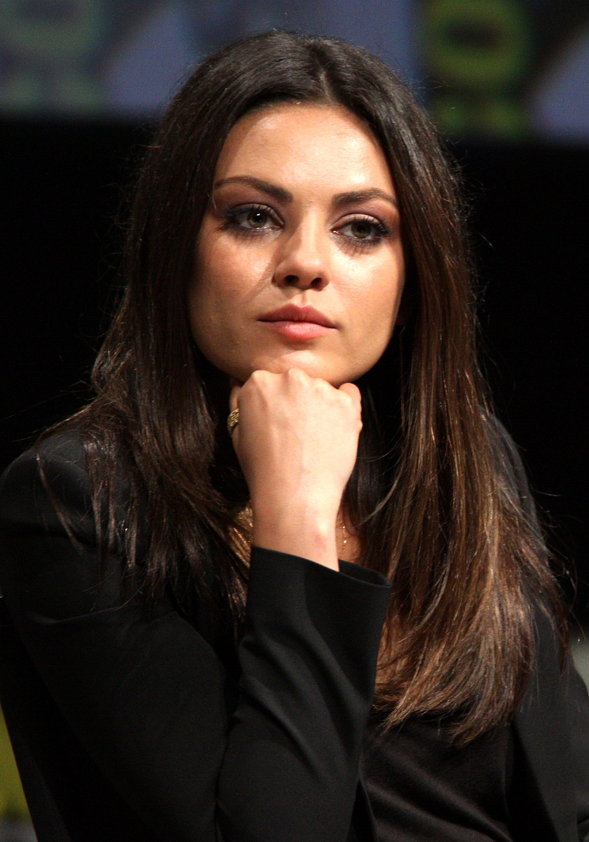mila kunis wikip dia a enciclop dia livre. Black Bedroom Furniture Sets. Home Design Ideas