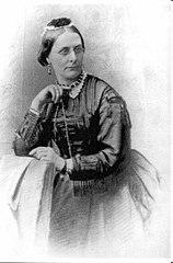 https://upload.wikimedia.org/wikipedia/commons/e/ef/Miss_F_M_Hext_1819-1896.jpg