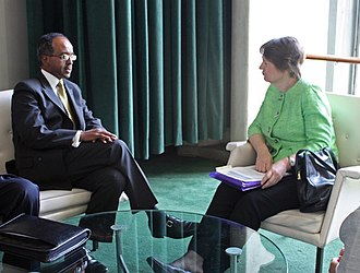 Transitional Federal Government - Foreign Minister Mohamed Abdullahi Omaar in a meeting with UNDP Administrator Helen Clark and other diplomats at the UN headquarters.