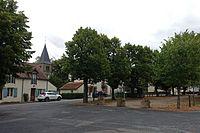 Montilly - Place des tilleuls.jpg