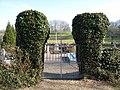 Moyencourt-lès-Poix cimetière (entrée).jpg