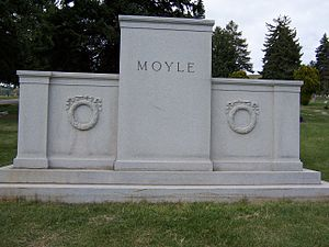 Henry D. Moyle - Grave monument to the Moyle family