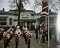 Muziekkorpsen, vlaggen, koninginnen, prinsen, Elisabeth, Philip, Bestanddeelnr 254-7275.jpg