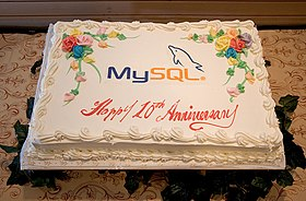 MySQL Conference 2005 Birthday Cake.jpg