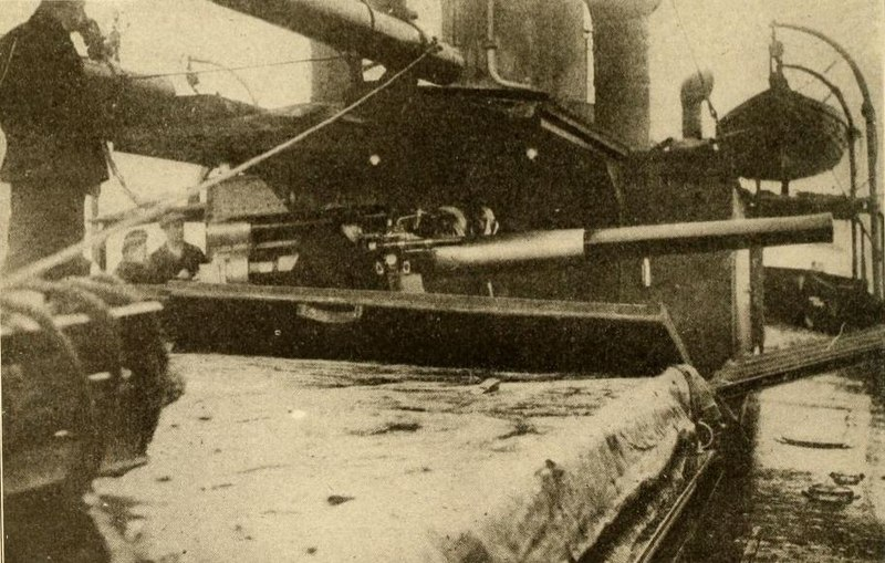 File:Mystery Ship trapping German Submarines.jpg