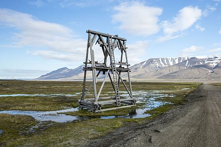 Cableway from abandoned coal mine in Adventdalen to Longyearbyen, Svalbard