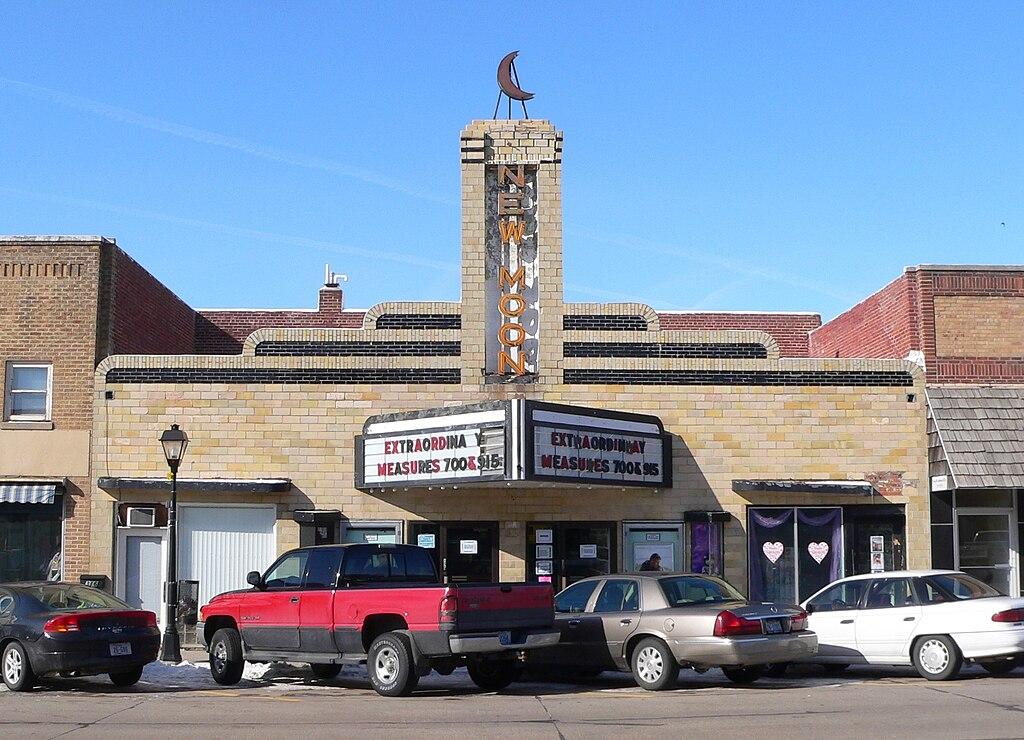 File Neligh Nebraska New Moon Theater Jpg Wikimedia