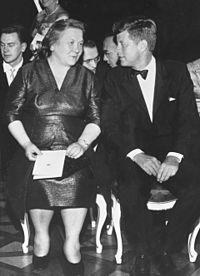 Nina Khrushcheva and John Kennedy 1961.jpg