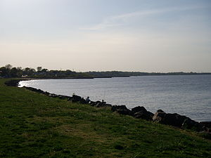 Laurence Harbor, New Jersey - Waterfront at Laurence Harbor, looking westward along the Raritan Bay towards South Amboy