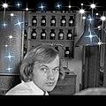 Olavi Montela työssä Korkeakosken apteekissa 1974.jpg
