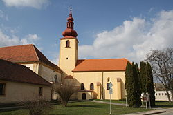 Overview of Church of Saint Peter and Paul in Dalešice, Třebíč District.jpg