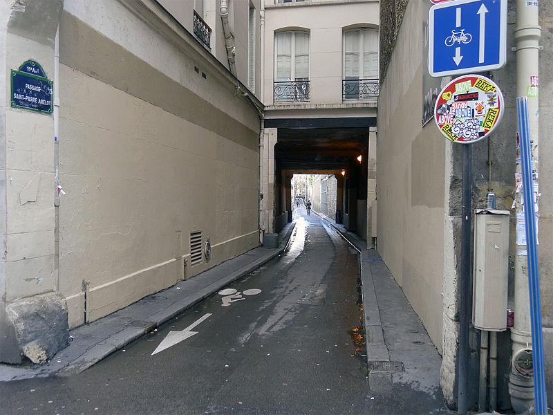 Fichier:P1150285 Paris XI passage Saint-Pierre Amelot rwk.jpg