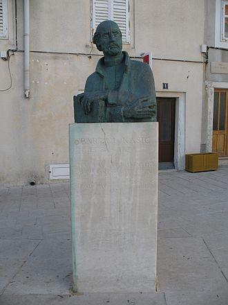 Bartol Kašić - Bartol Kašić bust in the Town of Pag