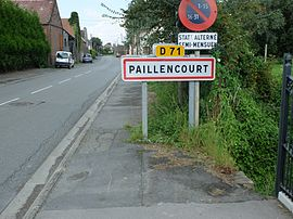 The road into Paillencourt