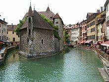 L'alphabet des villes 220px-Palais_de_l'Isle_Annecy_Haute-Savoie