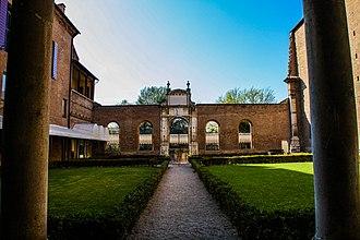 Palazzo dei Diamanti - View across the courtyard