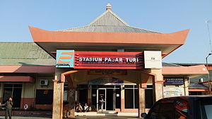 Pasar Turi Station Departure Hall.JPG