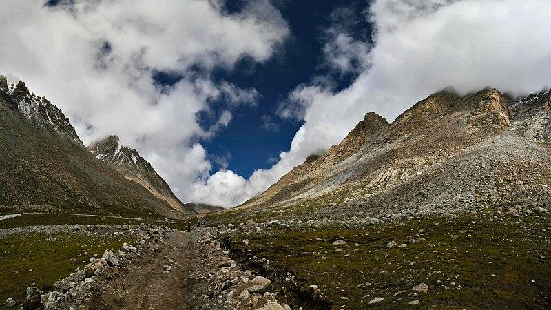 File:Path from Kailash - panoramio.jpg