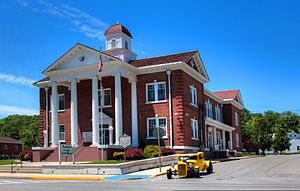 Pendleton County, West Virginia - Image: Pendleton Co WV Courthouse w Hot Rod Asilverstein 2013may 26
