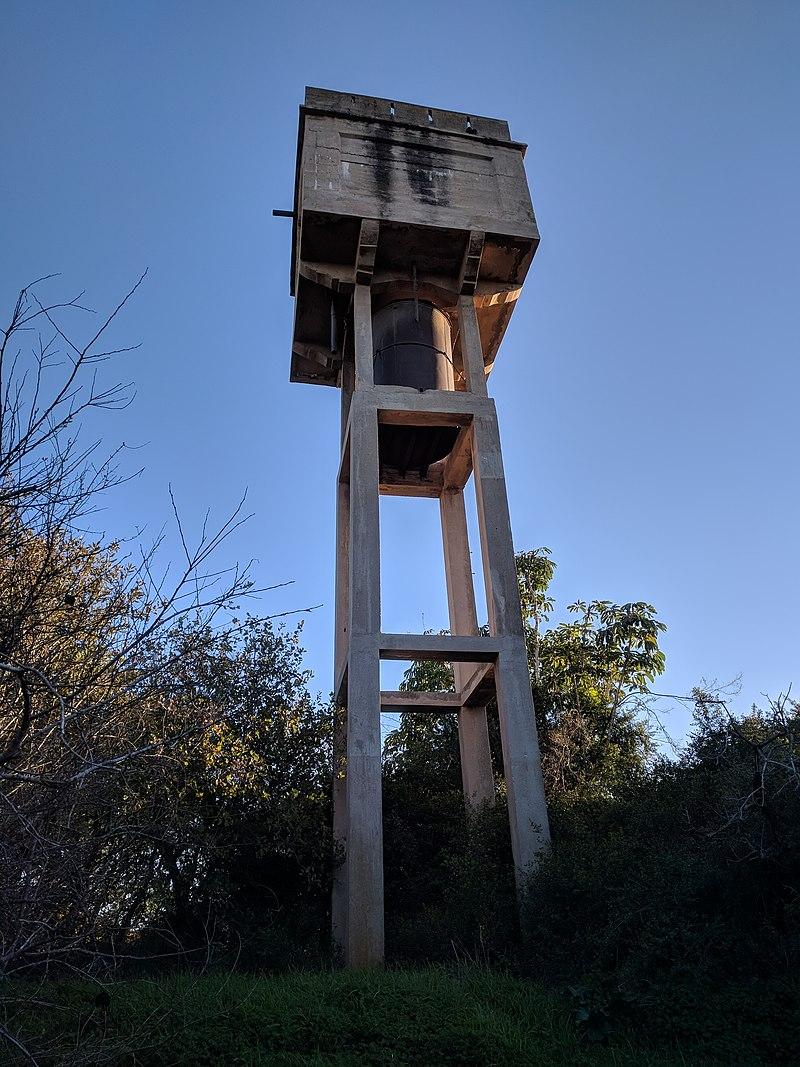 מגדל המים ברחוב ניר, כרכור