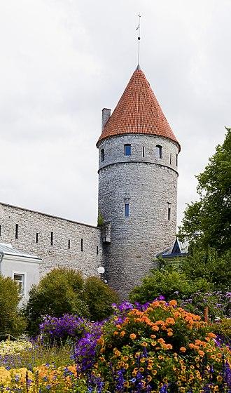 Walls of Tallinn - Image: Plaza de la Torre, Tallinn, Estonia, 2012 08 05, DD 16