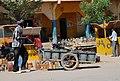 Porte tout dans la ville de Maroua.jpg