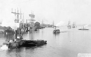 Steamboats of the Willamette River - Portland harbor, lower Willamette River, circa 1899
