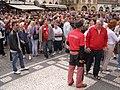 Praha, Staré Město, Staroměstské náměstí, orloj, turisti 01.jpg