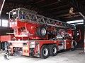 Praha, hasičská stanice Argentinská, výsuvný žebřík AX 22-65.jpg