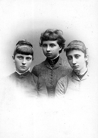 Infanta Blanca of Spain - Blanca with her first cousins Louise and Marie Louise.