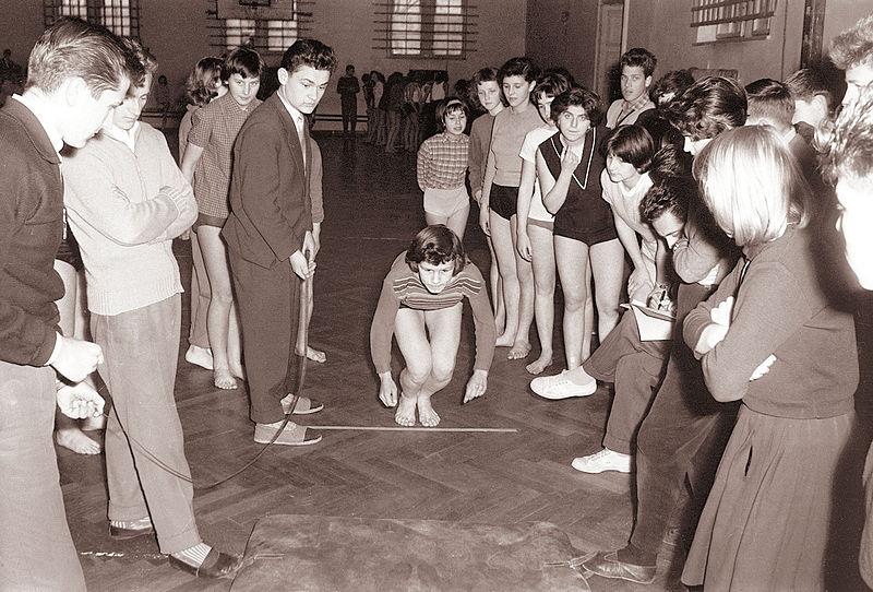File:Prvo zimsko srednješolsko atletsko tekmovanje v Mariboru 1960.jpg